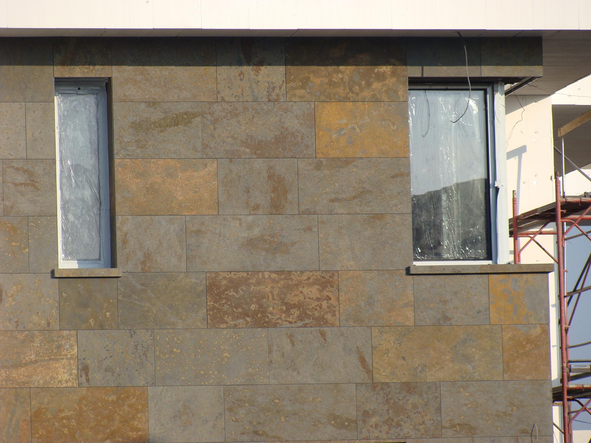 Resedinta Snagov - Fatada ventilata din Ardezie Multicolor